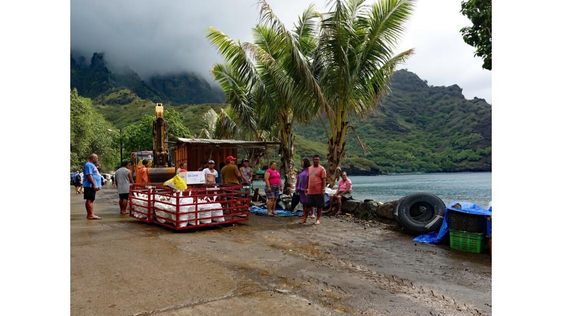 Les Marquises - Tahuata Vaitahu débarquement du fret 3