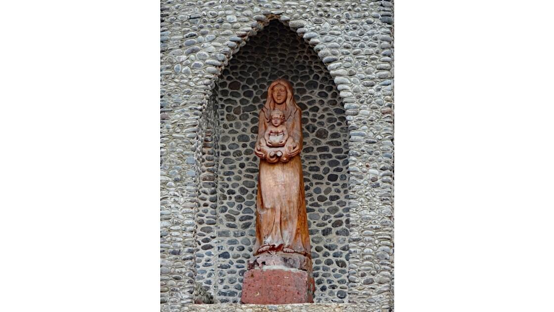 Les Marquises - Tahuata Vaitahu - Eglise Sainte Mère de Dieu La Vierge à l'enfant 2