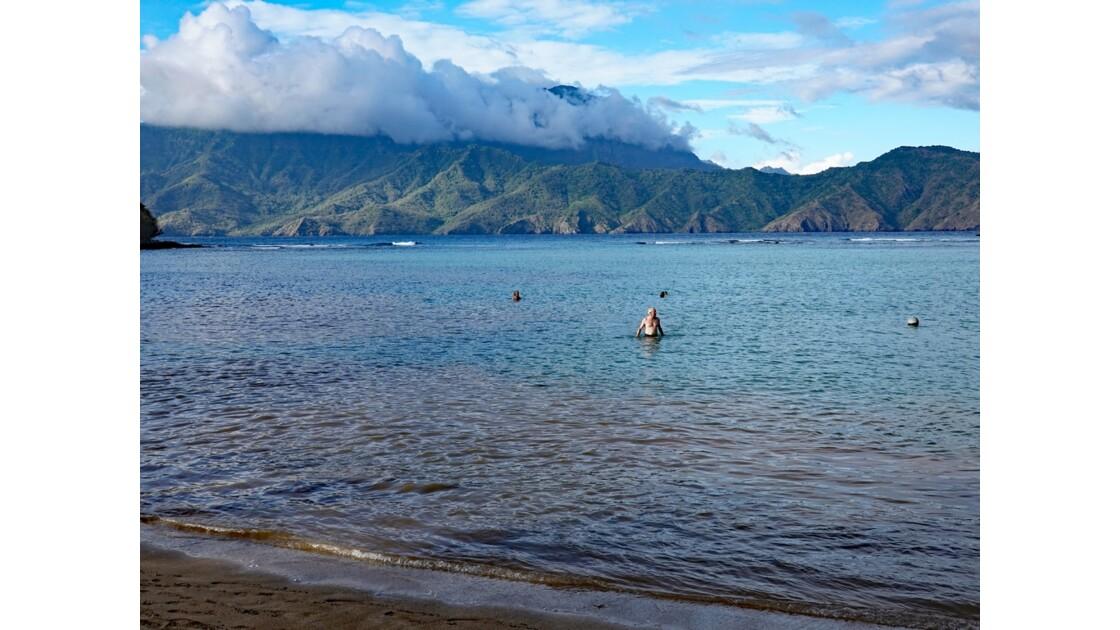 Les Marquises - Tahuata Baignade sur la plage de Kokuu 2