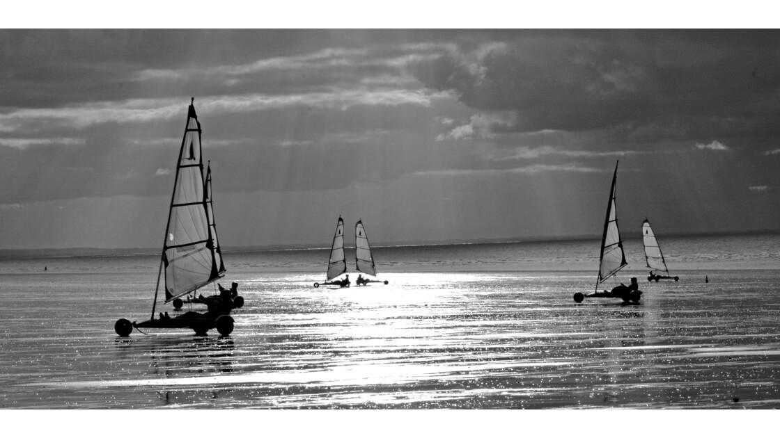 Chars à voile plage de Jullouville