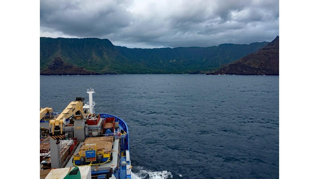 Les Marquises - Hiva Oa Arrivée dans la baie de Puamau au petit matin 1