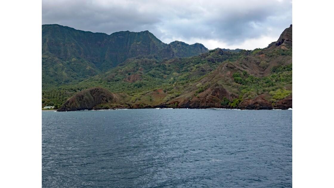 Les Marquises - Hiva Oa Arrivée dans la baie de Puamau au petit matin 4