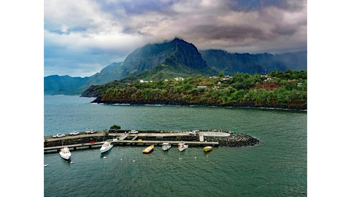 Les Marquises - Hiva Oa Baie d'Atuona 2