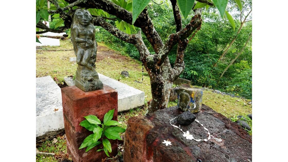 Les Marquises - Hiva Oa Atuona Cimetière du Calvaire Tombe de Gauguin 3