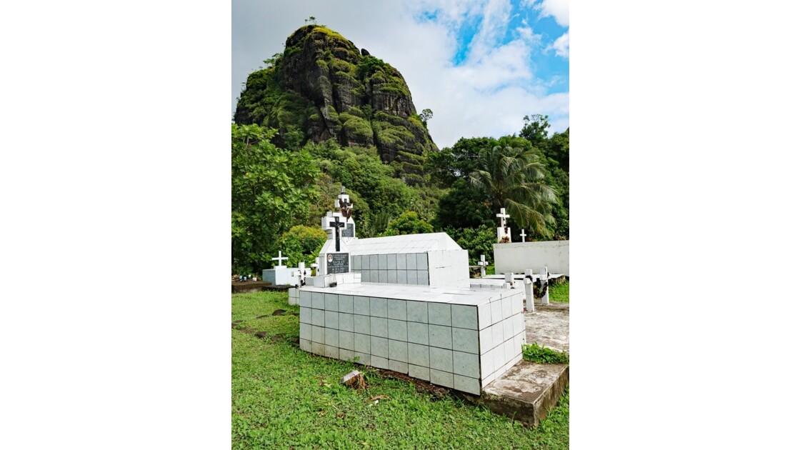 Les Marquises Fatu Hiva Hanavave Le cimetière 4