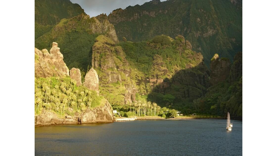 Les Marquises Fatu Hiva Sunset sur la Baie des Vierges 4