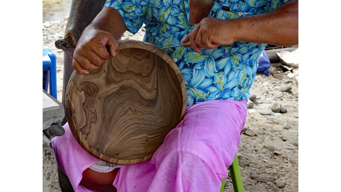Les Marquises Ua Huka - Hokatu - les sculpteurs 1