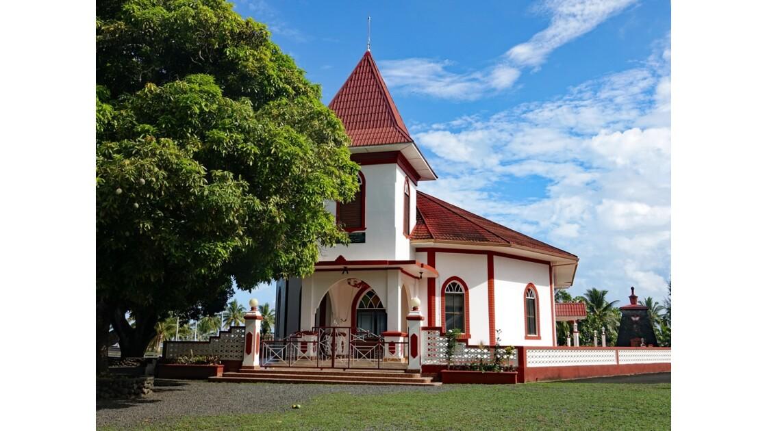 Tahiti Nui L'église du Tombeau du roi Pomaré V - 3