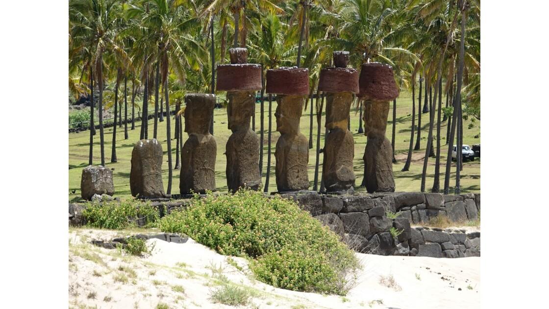 Île de Pâques Anakena Ahu Nau Nau 1