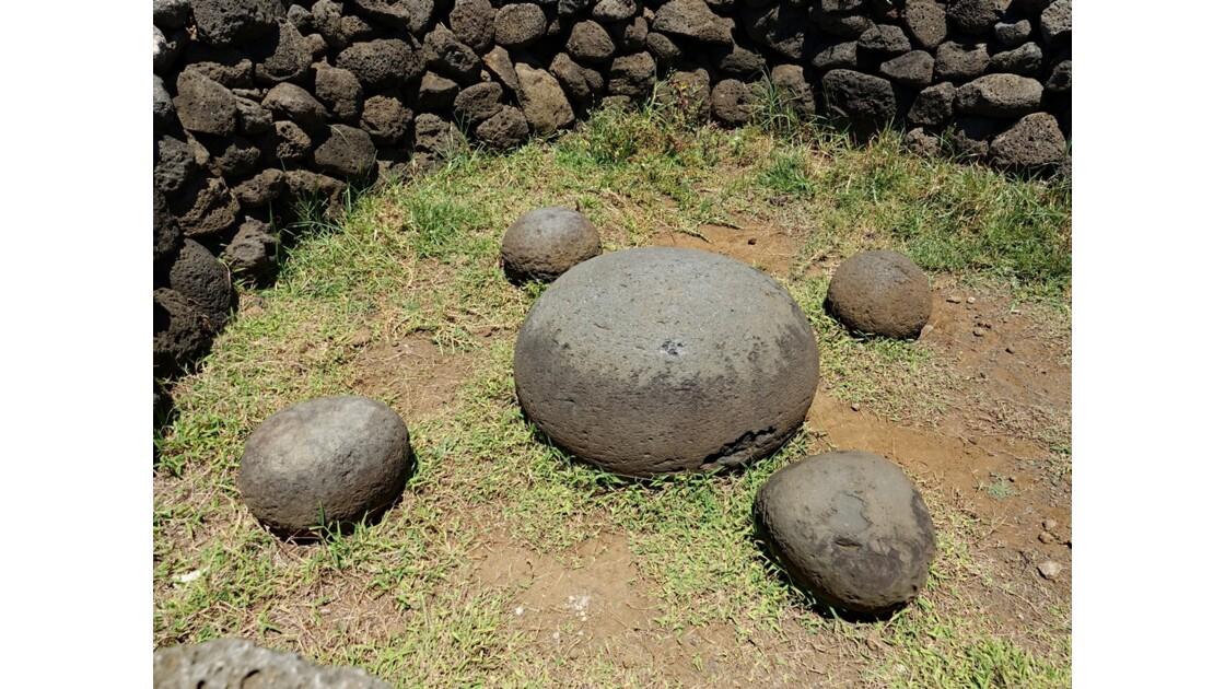 Île de Pâques Te Pito Kura La pierre magique 3