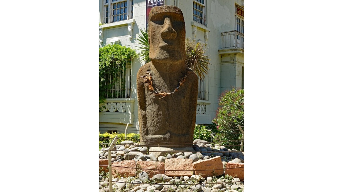 Chili Vina del Mar Un Moai importé 2