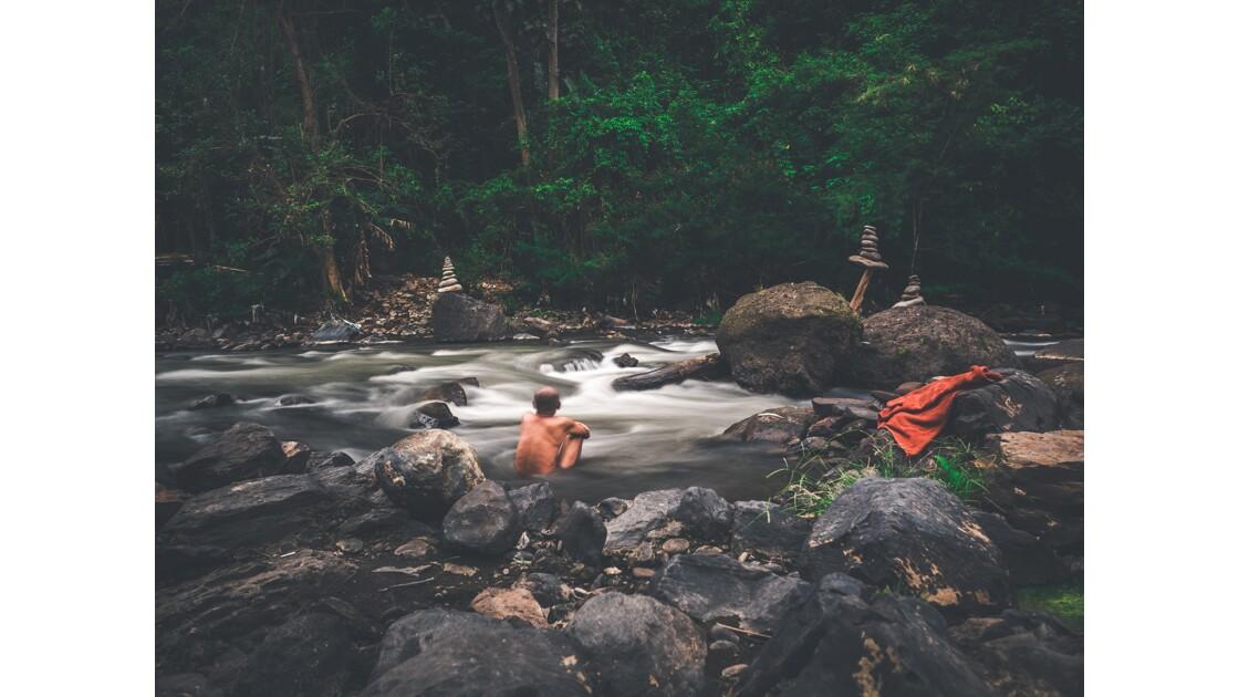 Le moine et la rivière