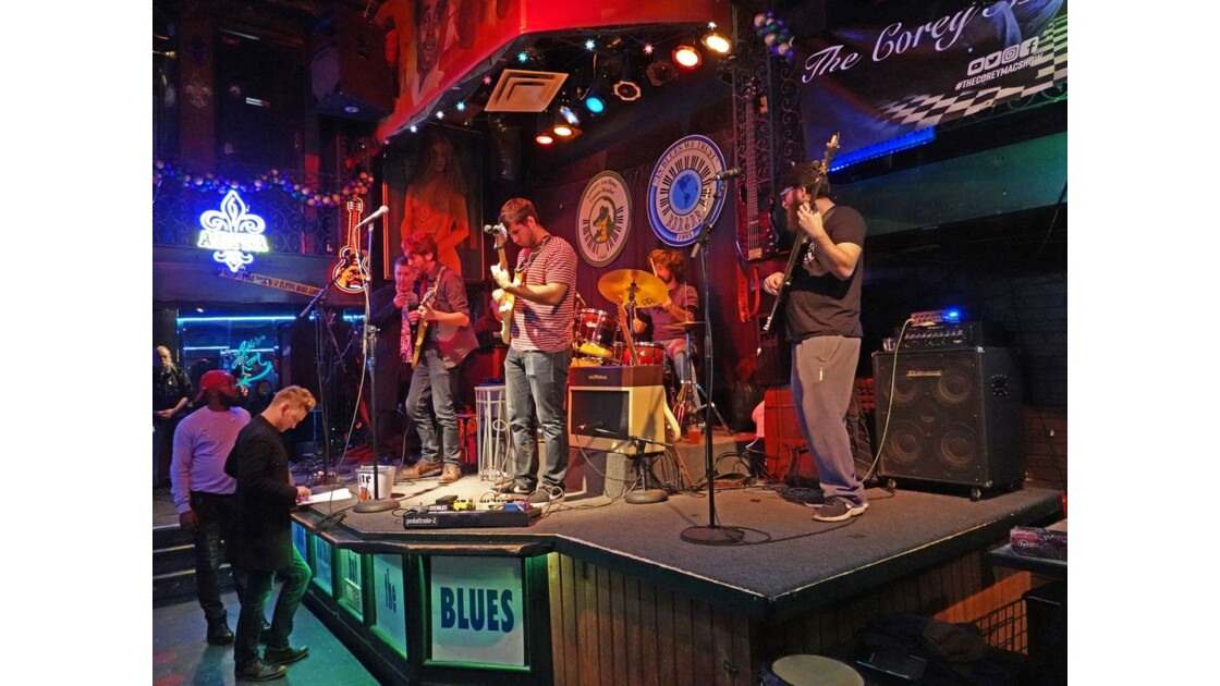 Nashville Bourbon Street Blues and Boogie Bar 2
