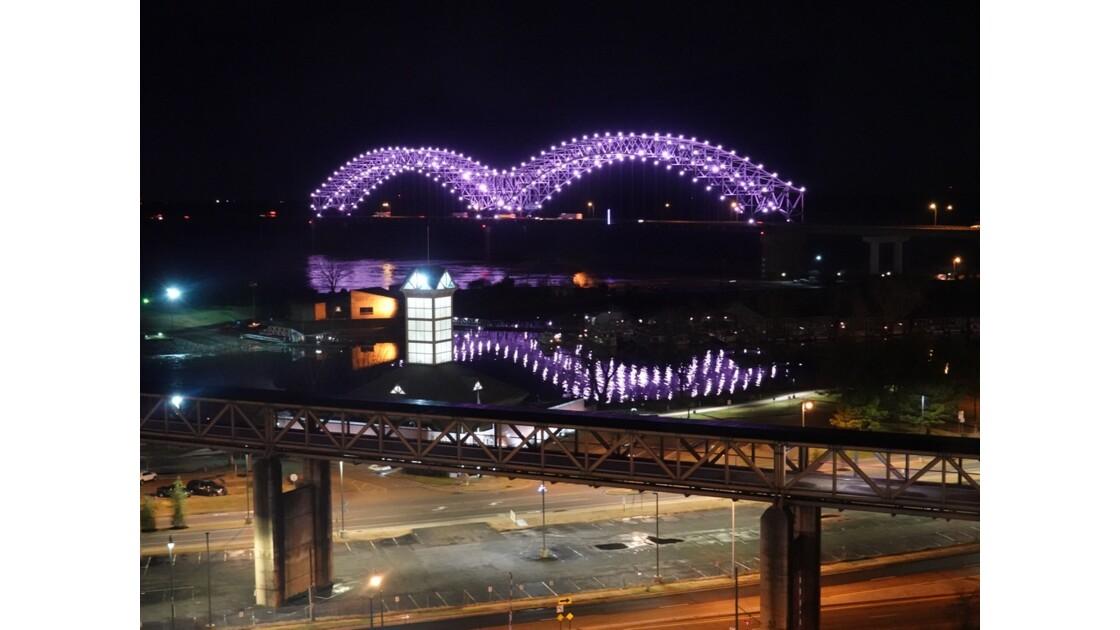 Memphis La nuit sur Hernando de Soto Bridge 1