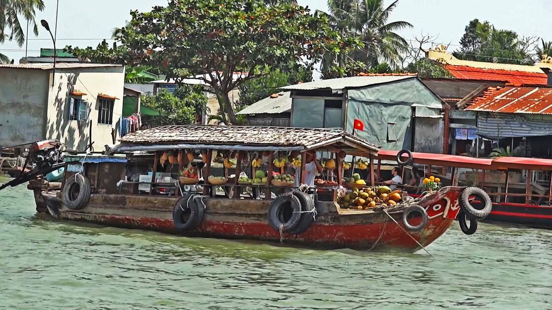 VIETNAM Cai Bé marché flottant
