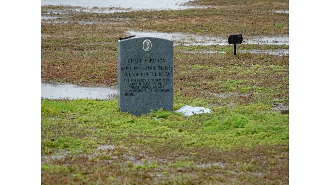 Holly Ridge Tombe de Charley Patton 1