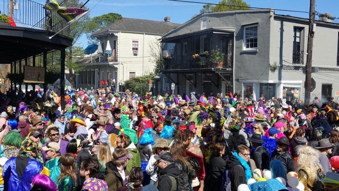 New Orleans Jour de Mardi-Gras Royal Street Inn Bar 2