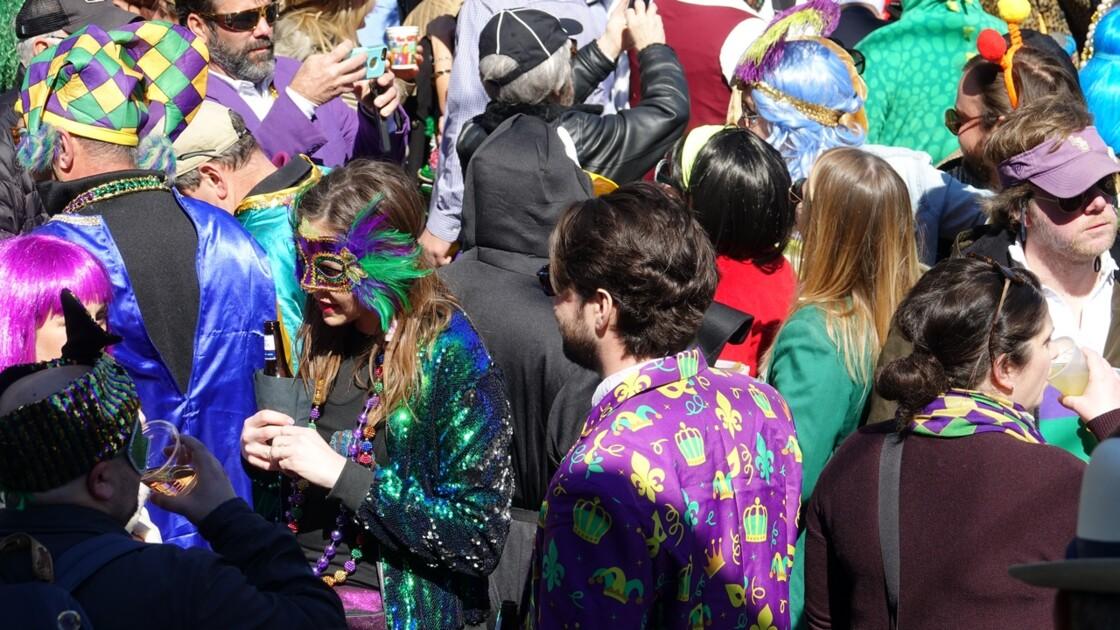 New Orleans Jour de Mardi-Gras Royal Street Inn Bar 6