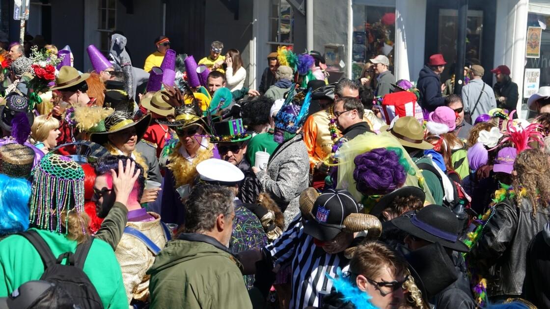 New Orleans Jour de Mardi-Gras Royal Street Inn Bar 7