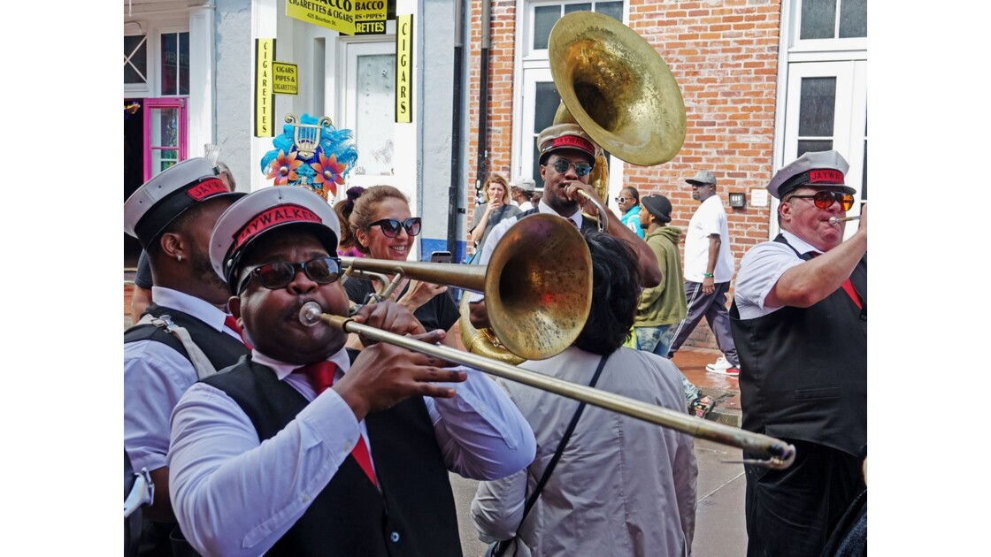 New Orleans Bourbon Street Jazz Parade 11