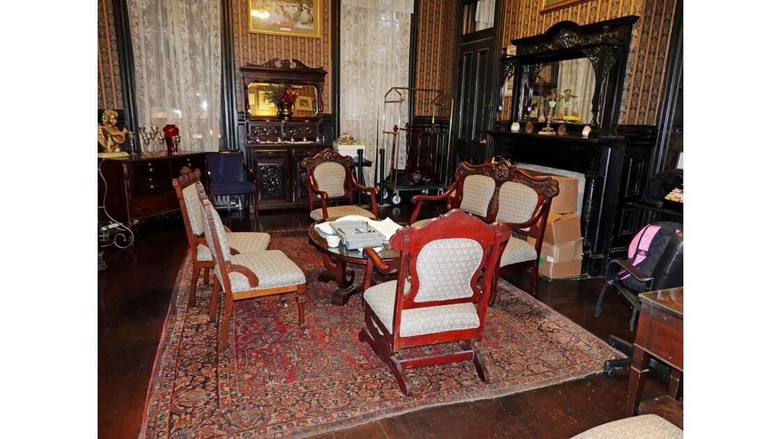 New Orleans Garden District Columns Hotel Salon