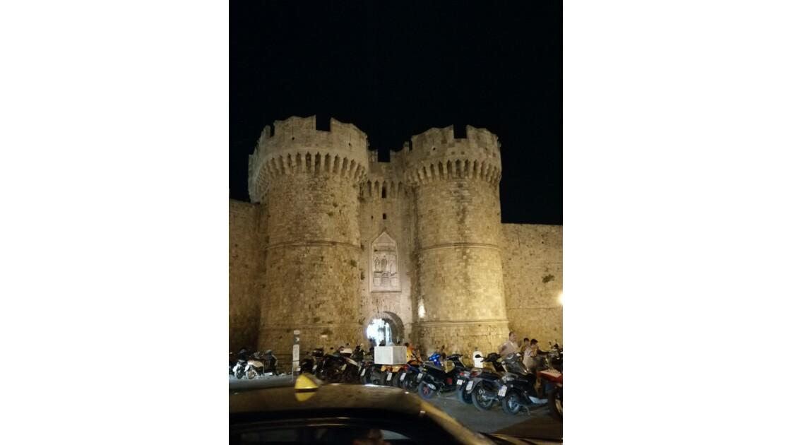 Vieille ville remparts de Rhodes