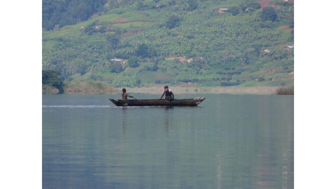 Bateau sur le lac Bunyonyi