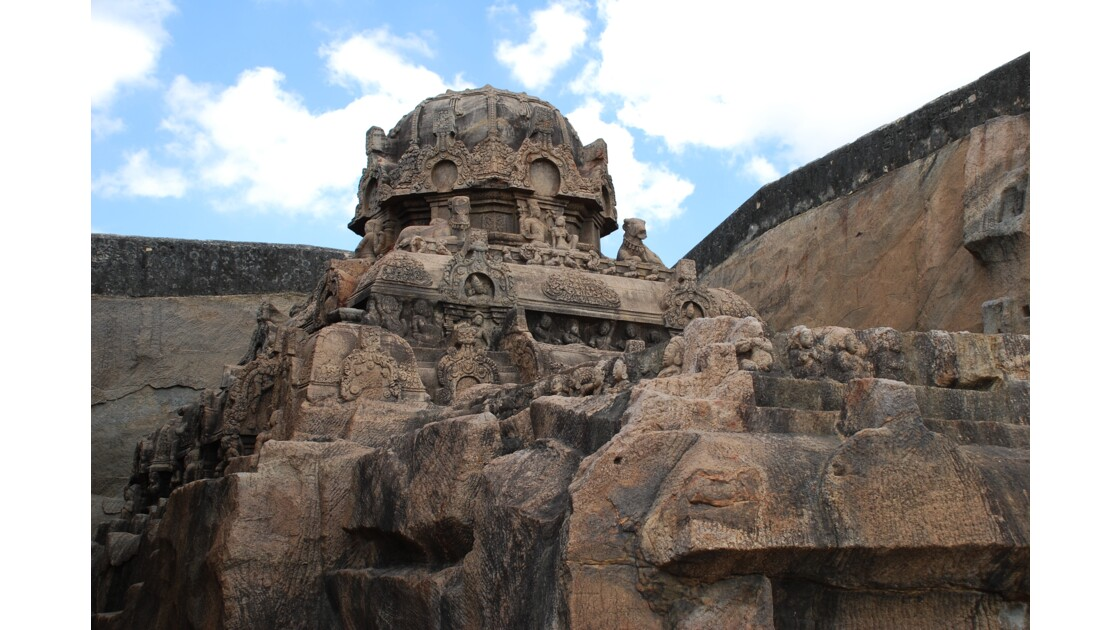 Temple excavé de Kalugumalai