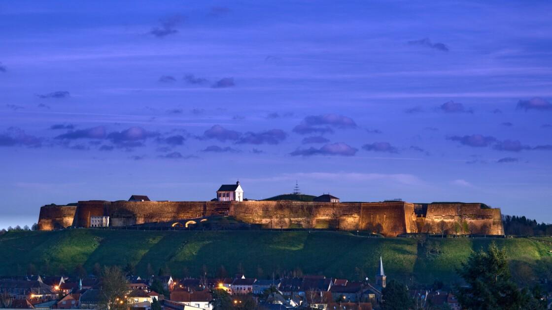 Crépuscule sur la citadelle
