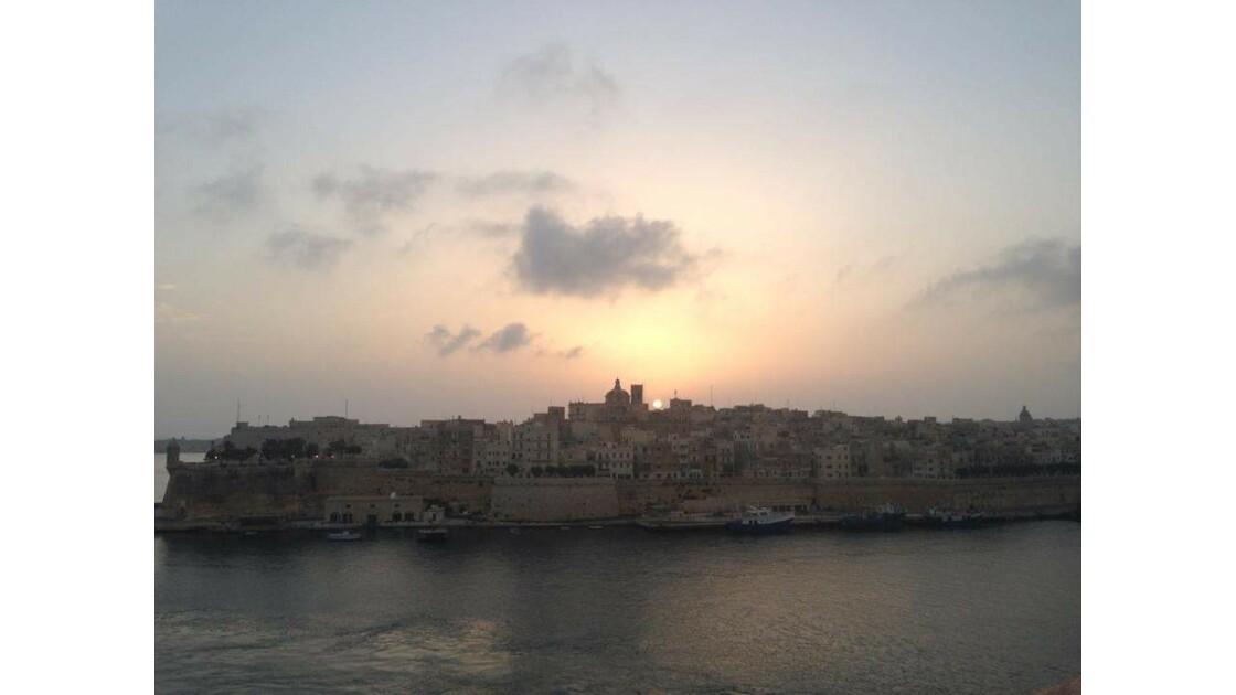 Lever de soleil au port