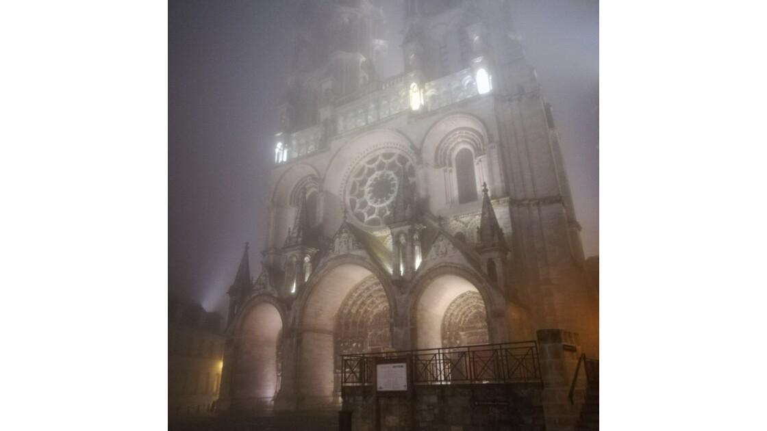 Brouillard sur la cathédrale
