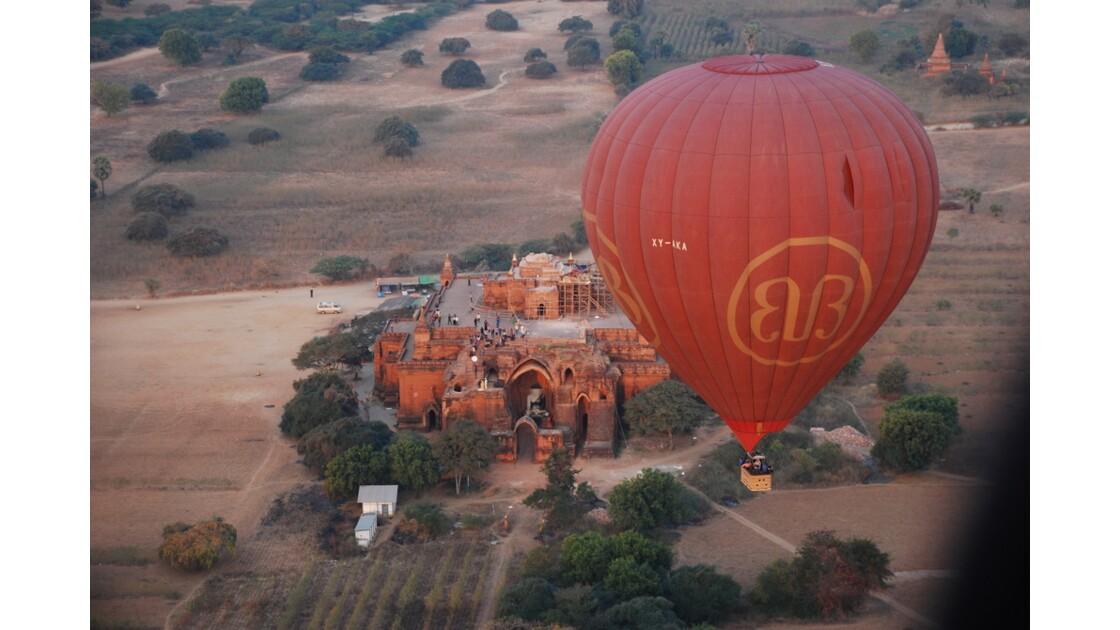 Vol au-dessus de Bagan