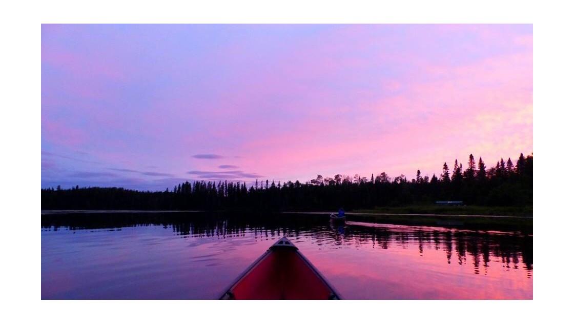 Un soir au milieu des forets Canadienne