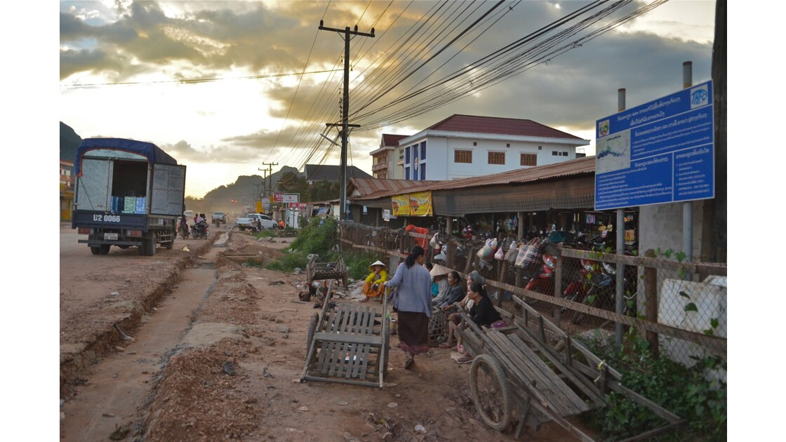 Coucher de soleil sur Lak Sao