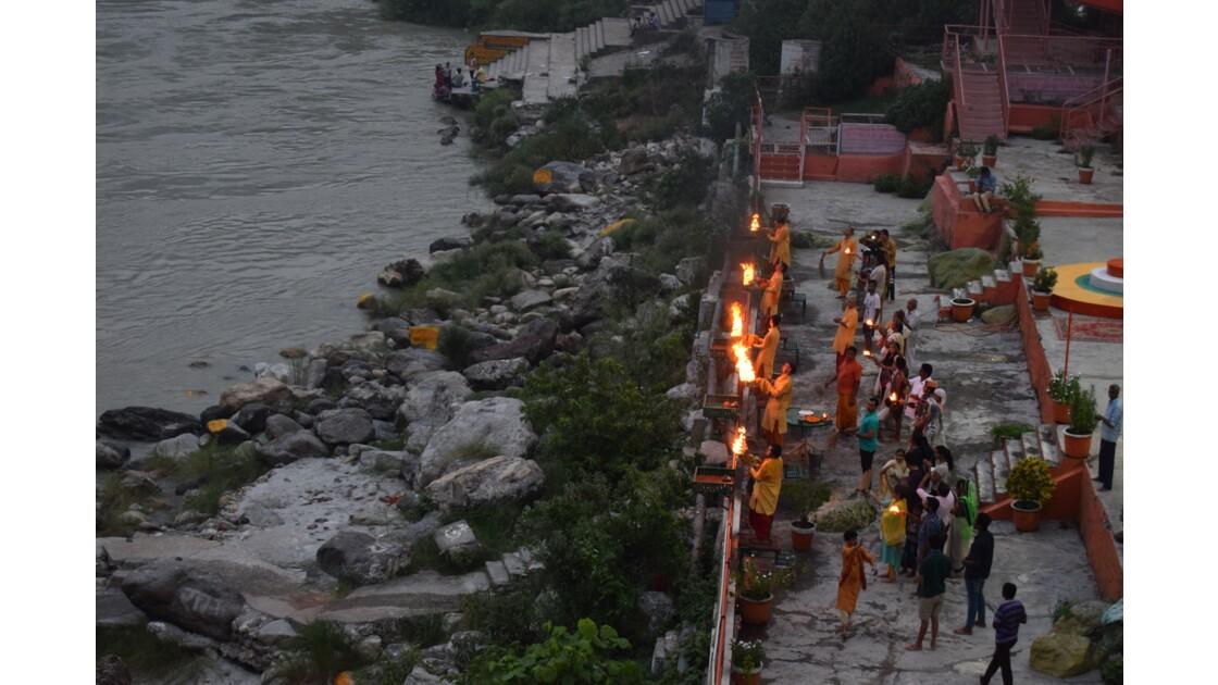 Les contreforts de l'Himalaya: en route vers les sommets, Rishikesh