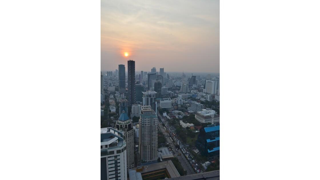 Soleil couchant sur Bangkok