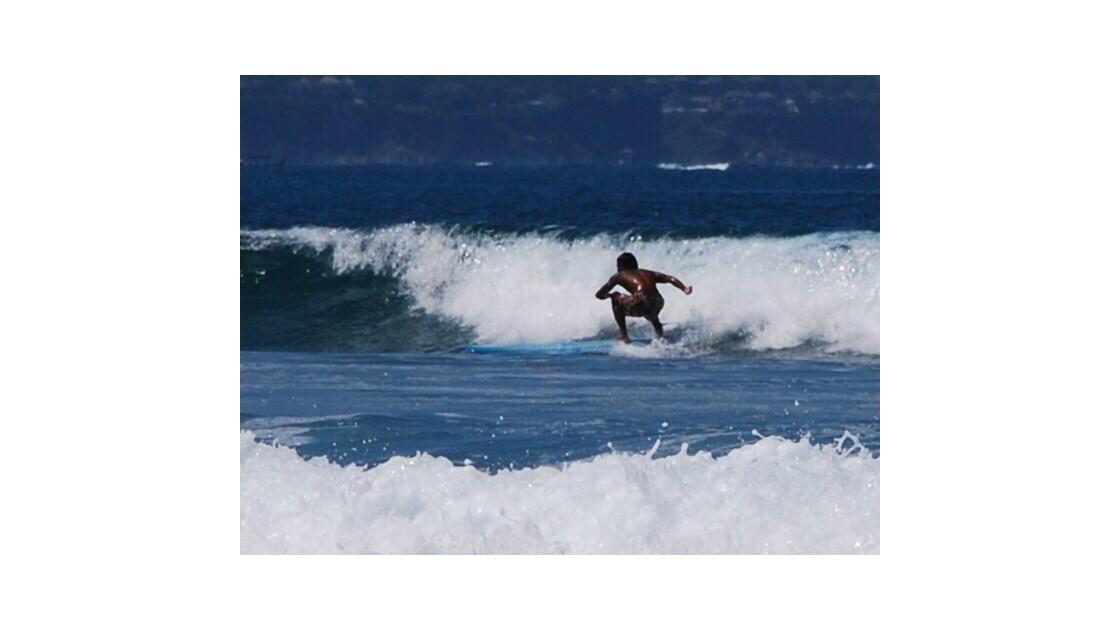 SURFEUR A LEGIAN