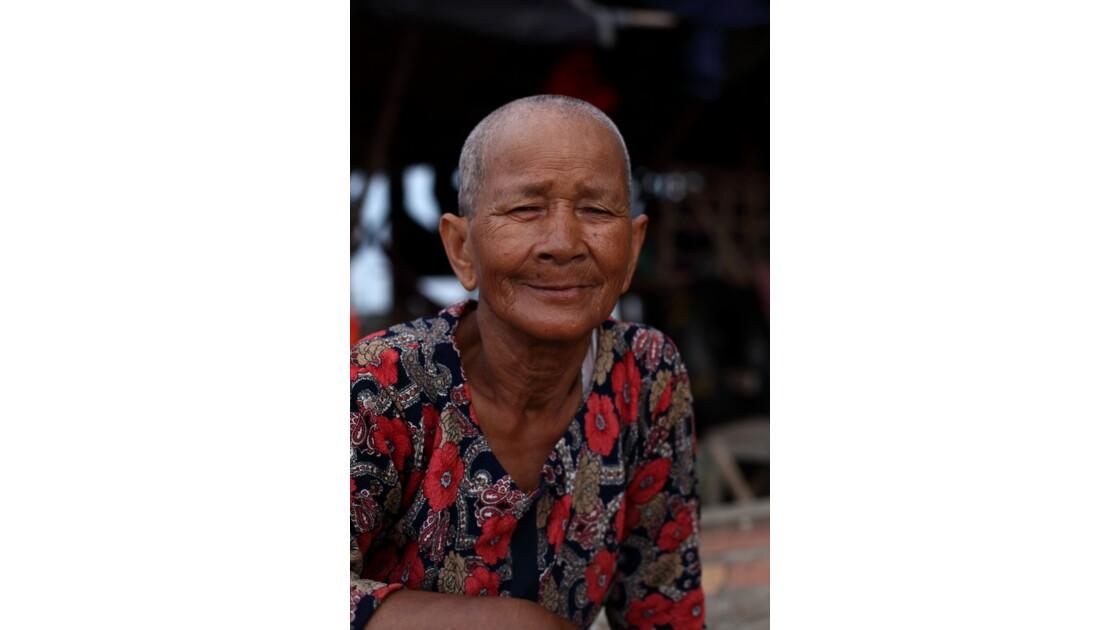 Woman, Siem Reap, Cambodge