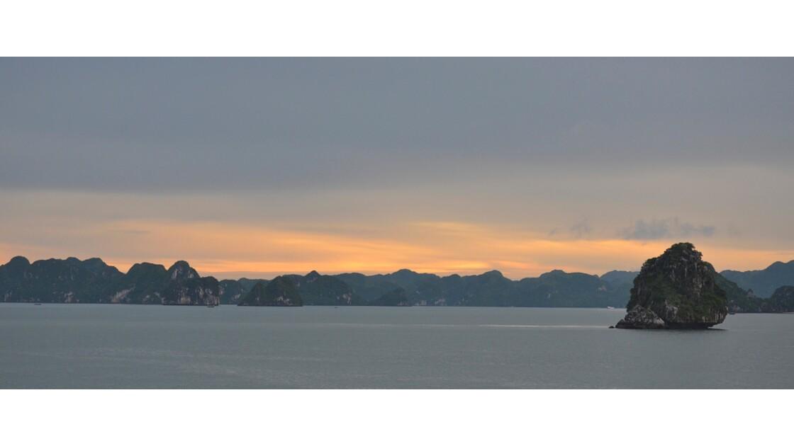 Coucher de soleil sur la Baie d'Halonq