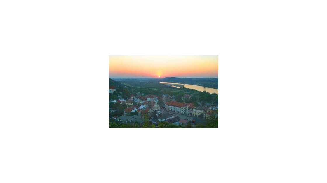 Coucher de soleil à Kazimierz Dolny en Pologne
