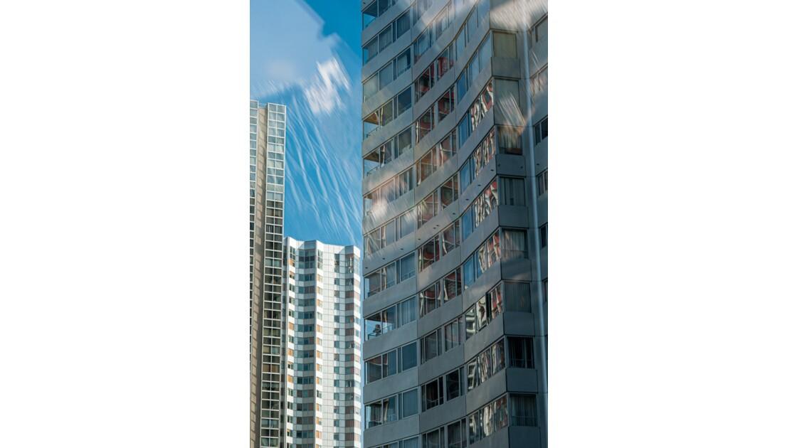 reflets sur les immeubles