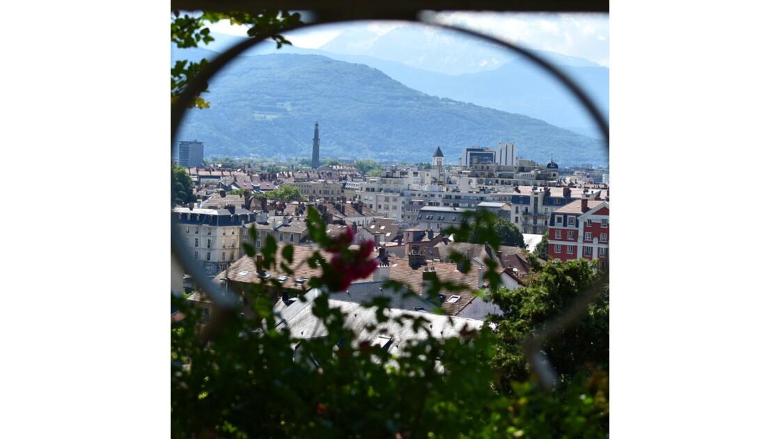 Fenêtre sur Grenoble