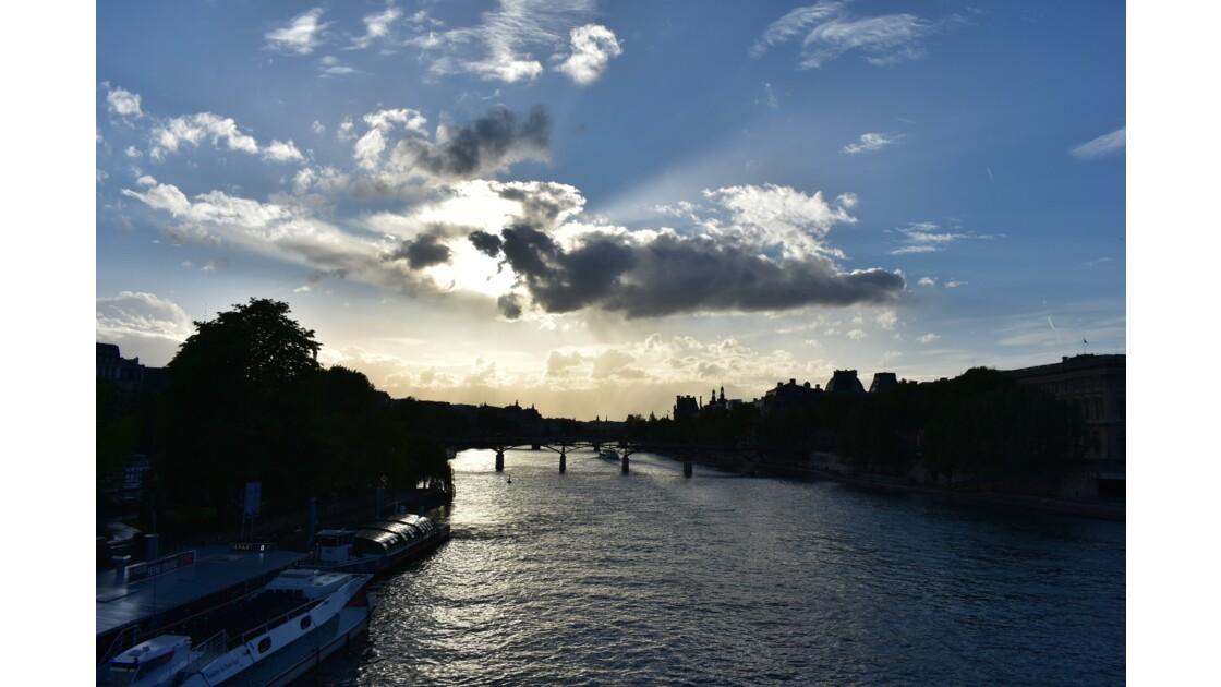 Le soleil se couche sur Paris