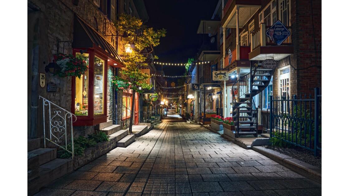 Quebec by night
