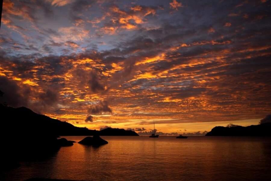 Vue des Seychelles, par Frederic Schrobiltgen