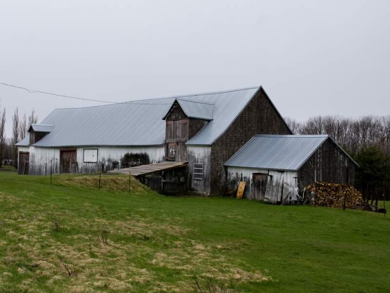 Une vieille grange témoin de la tradition agricole de l'île