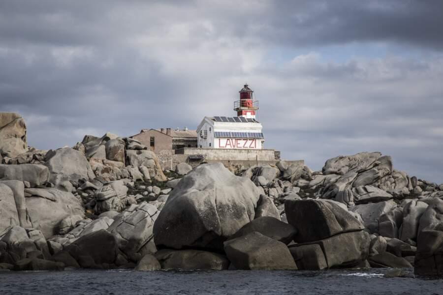 Le phare des Lavezzi, hanté par les naufragés de la Sémillante