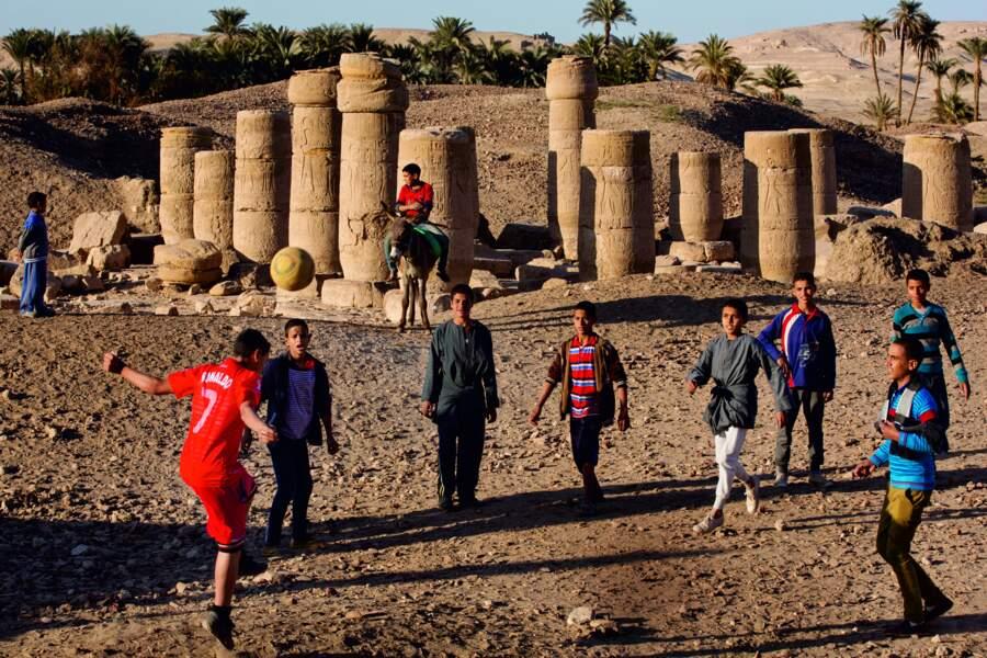 Des sites sans touristes ni archéologues qui sont le terrain de jeu des enfants