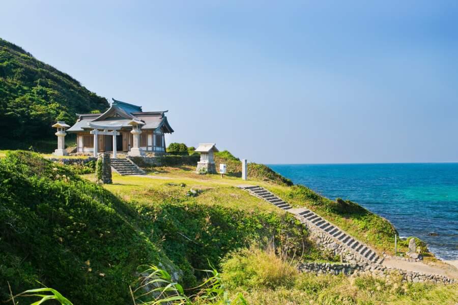 Île sacrée d'Okinoshima et sites associés de la région de Munakata, au Japon