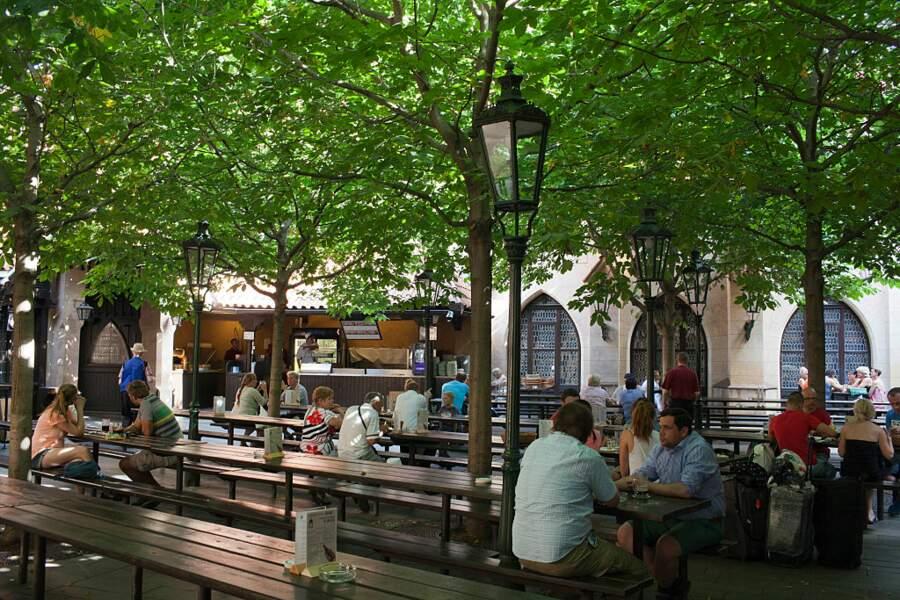 """Goûter la bière tchèque dans un """"beer garden"""""""